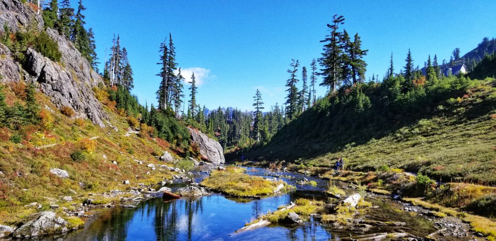 Hiking Chains Lake Loop & Lake Ann Mt. Baker